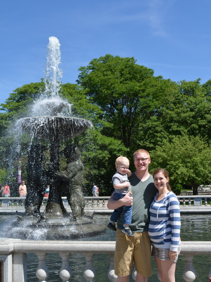 Quintessential family photo in front of the zoo fountain!